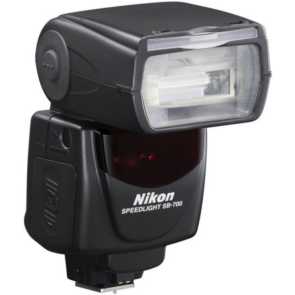 ����������� Nikon Speedlight SB-700