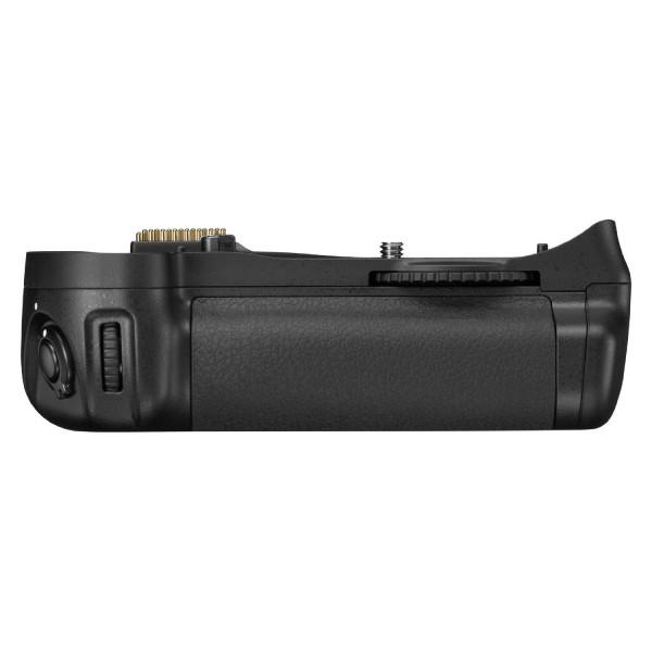 ���������� ���� Nikon MB-D10 ��� D300S, D700